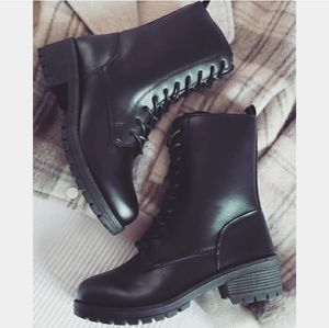 Wish List collection// black combat boot